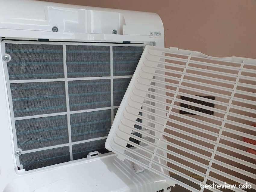 สามารถถอดแผ่นกรองอากาศออกมาทำความสะอาดได้